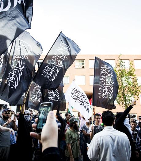 Politiek diep geschokt door IS-invloed op Haags jeugdwerk: 'Zet er desnoods het leger op'