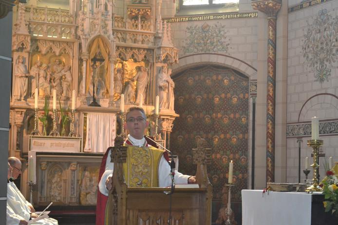De laatste preek van pastoor David van Dijk in zijn geliefde Maria Magdalenakerk in Geffen.