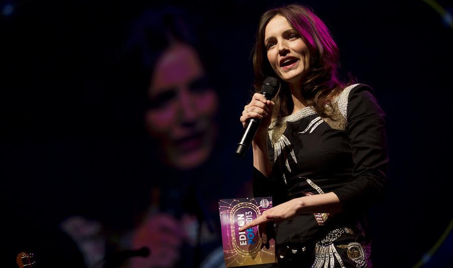 Presentatrice Daphne Bunskoek tijdens de uitreiking van de Edison Pop-prijzen in de Amsterdamse Heineken Music Hall, begin februari.