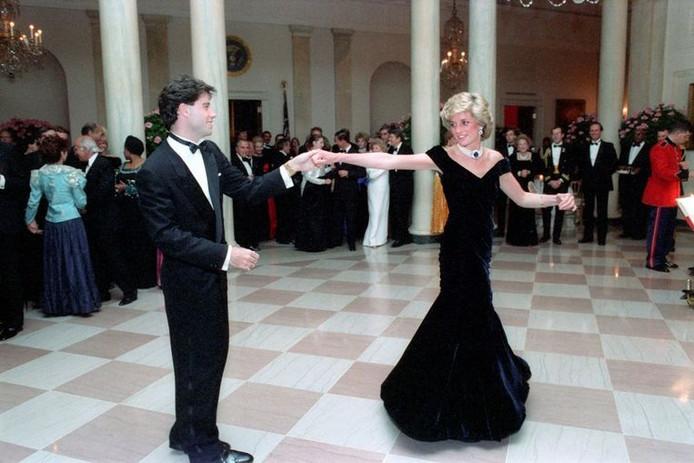 John Travolta et Lady Di ont partagé une danse.