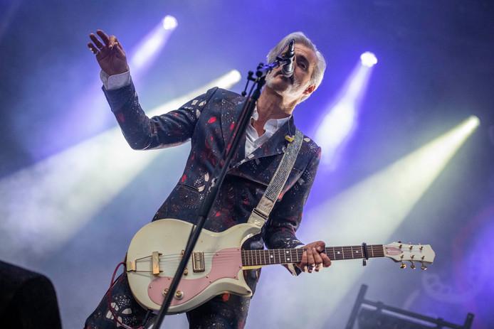 Leadzanger Ruben Block van Triggerfinger, op 28 juni in het Openluchtheater De Goffert.