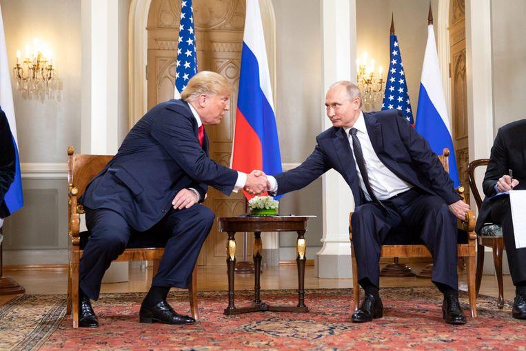 """Trump had maandag een ontmoeting met zijn Russische ambtgenoot Poetin in Helsinki. """"De top was een succes"""", tweette de Amerikaanse president vandaag."""