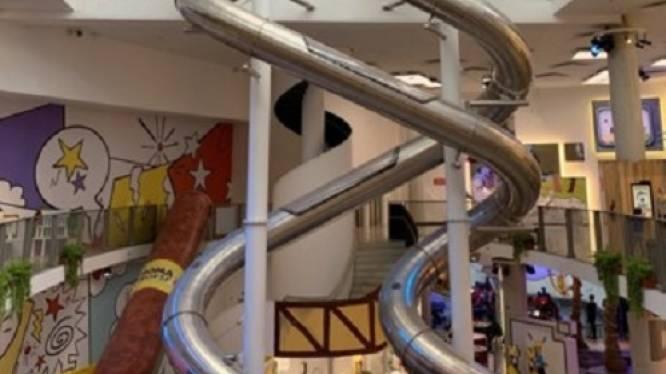 Plopsa verkoopt hoogste indoor glijbaan ter wereld tijdens online veiling. Dit is het startbod