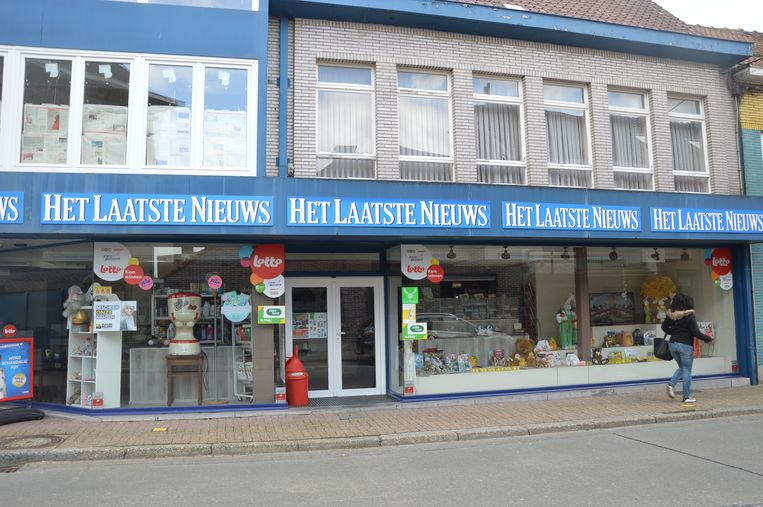 Krantenwinkel Macardi in de Nieuwstraat in Denderleeuw is tijdelijk gesloten.