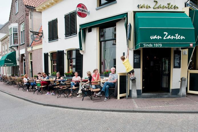 Kafé Van Zanten is een van de panden in het bezit van Stadsherstel.