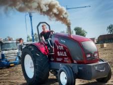 Geen voetbal of tennis, maar tractorpulling voor kampioenen Jelle, Carlo, Erwin en Rob