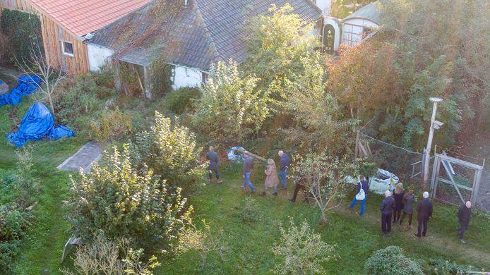 De boerderij in Ruinerwold waar Gerrit Jan Van D. met vijf jongeren werd aangetroffen.