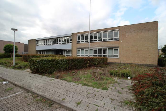 Het voormalige politiebureau in de Vinkenstraat.