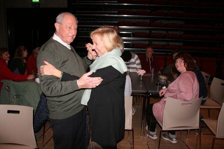 Senioren zijn altijd te vinden om een dansje te plaatsen.
