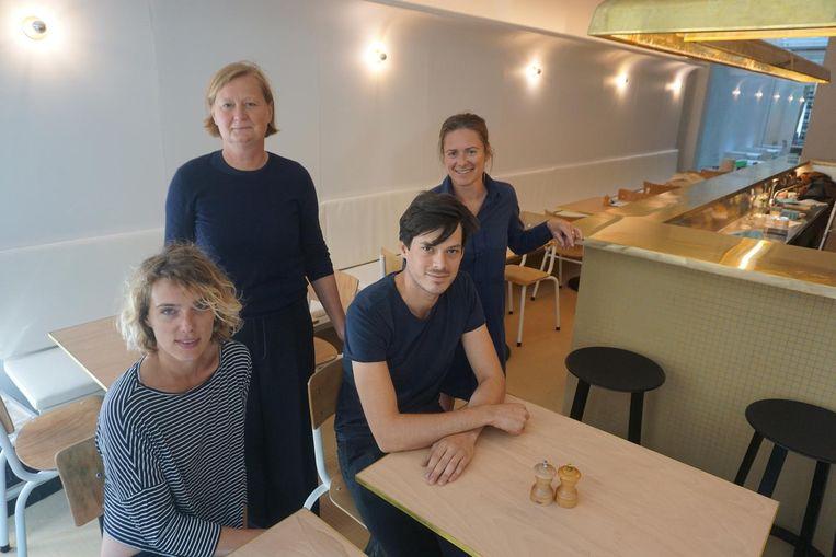 Iona, Inge, Colin en Sofie in de nieuwe Passe Vite.