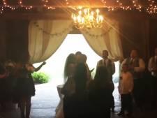 Huwelijksfotografe werkt lastige stiefmoeder hardhandig uit beeld