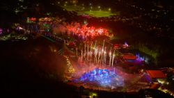 Indrukwekkend! Zo ziet het vuurwerk van Tomorrowland er uit vanuit de lucht
