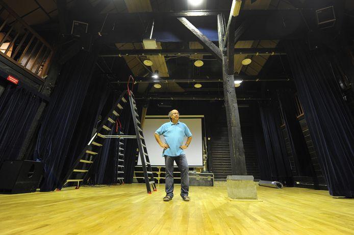 In 2011 kreeg 'zijn' theater De Schuur een nieuwe vloer.
