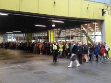 Treinreiziger op Arnhem Centraal moet lang wachten op bus naar Nijmegen