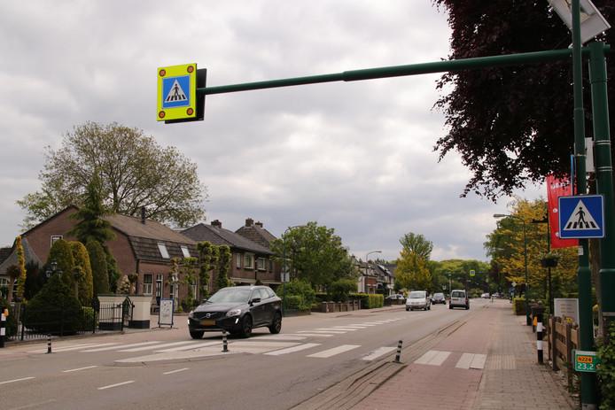 De provincie en de gemeente hopen door middel van deze oplossing de Dorpsstraat een stuk veiliger gemaakt te hebben.