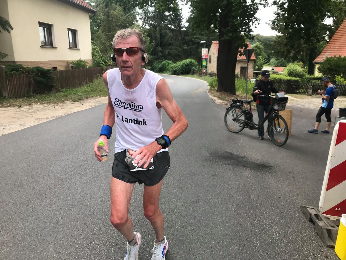 Ultraloper Jan Albert Lantink uit Borne eerder dit jaar in actie in Berlijn.