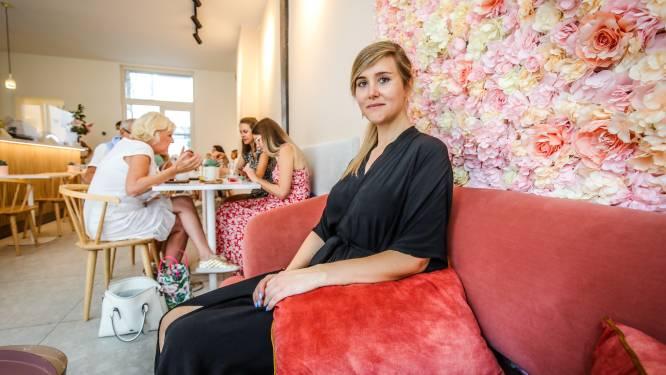"""Elke (30) is vijf maanden zwanger en houdt ontbijt-en lunchbar draaiende met takeaway: """"Ik doe nog altijd zoveel mogelijk zelf"""""""