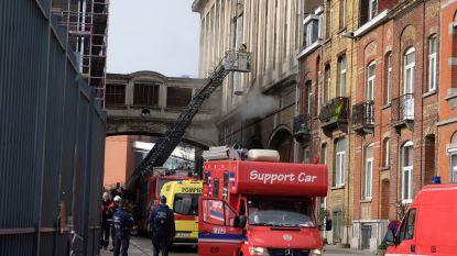Hevige brand in Molenbeek nadat arbeiders vuurtje stoken