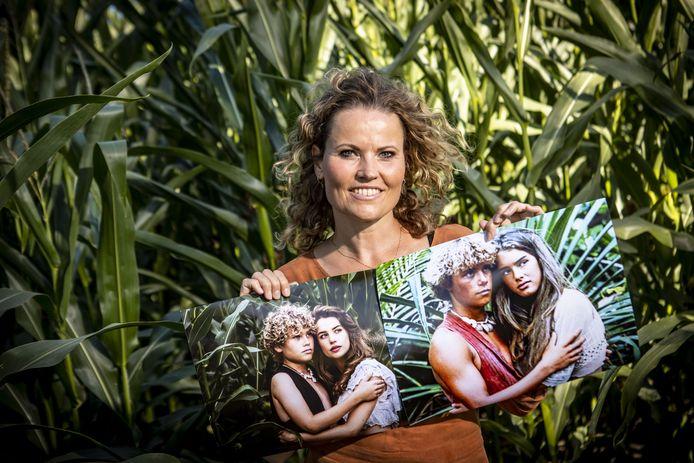 Fotograaf Mireille Droste besloot haar zoon en een meisje dat veel op Brooke Shields lijkt, op dezelfde manier te fotograferen als in de film The Blue Lagoon.