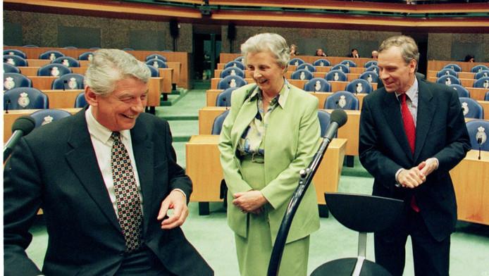 Wim Kok, Els Borst en Jaap de Hoop Scheffer na afloop van een verkiezingsdebat in 1998.