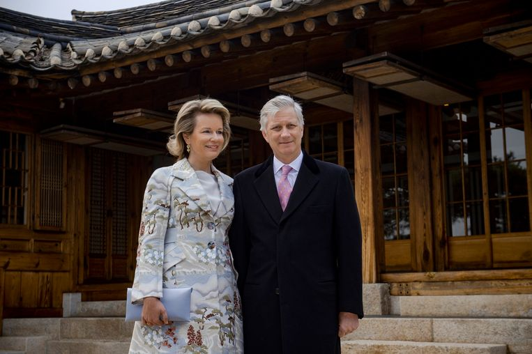 Gisteren arriveerden koning Filip en koningin Mathilde in Seoel voor een vierdaags bezoek aan Zuid-Korea.
