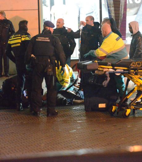 Fietser bewusteloos door val op Spui, traumateam rukt uit