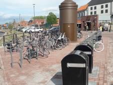 Geen doorkomen aan op Harderwijkse boulevard door geparkeerde fietsen