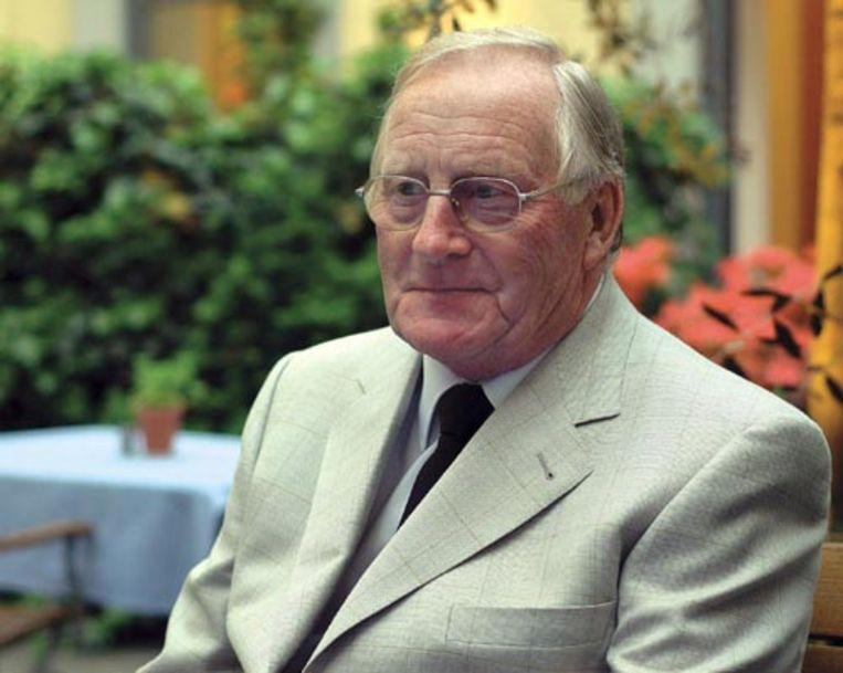 Allen Carr in 2004 in Duitsland. De antirookgoeroe is woensdag op 73-jarige leeftijd in zijn woning in Spanje overleden aan longkanker. (EPA) Beeld EPA