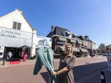 In de rij voor winkels aan Deldense Langestraat: 'Ik vond het altijd al een mooi stadje'