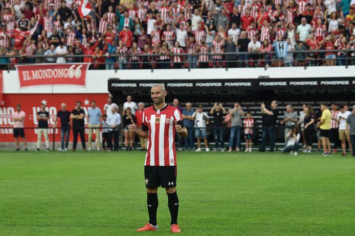 Javier Mascherano bij zijn presentatie bij Estudiantes de La Plata.