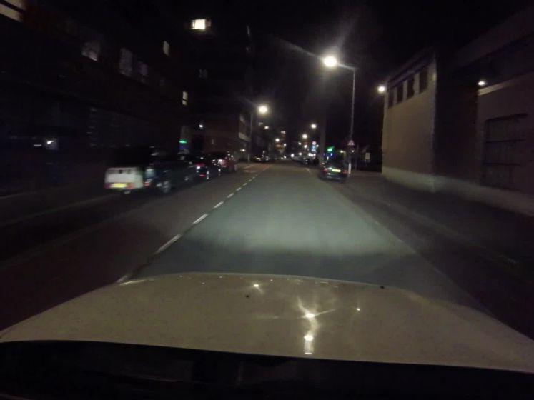 Op pad met Perry: het is doodstil op straat in Den Haag