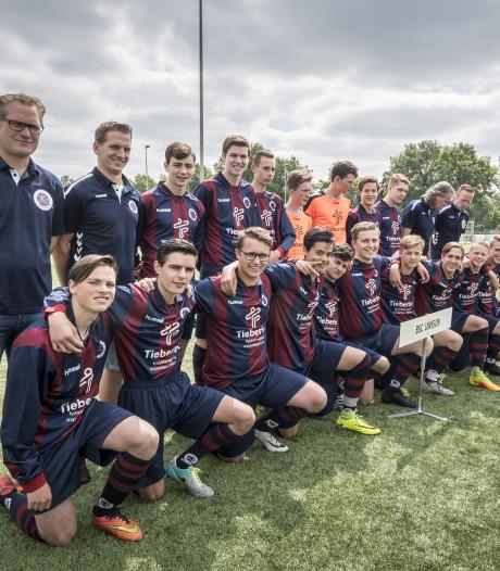 Scouts Manchester United aanwezig bij sportpark De Zweede in Boekelo
