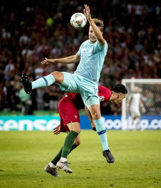 Luuk de Jong in actie in de finale van de Nations League tegen Portugal.