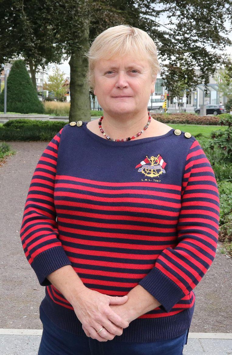 Nancy Six van Vlaams Belang Ieper vraagt de driejaarlijkse vredesprijs te evalueren.