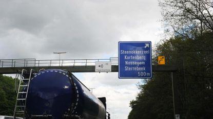 Aanschuiven op E40 en E17 door incidenten met vrachtwagens