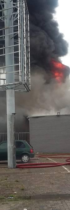 Wietkwekerij gevonden na grote brand in loods Arnhem