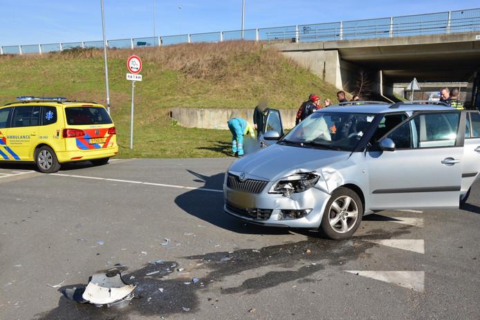 Een ongeval op de kruising van de Rithsestraat in de Den Dogdreef in Breda.