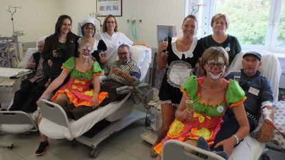 Verpleegsters leggen nierpatiënten in de watten