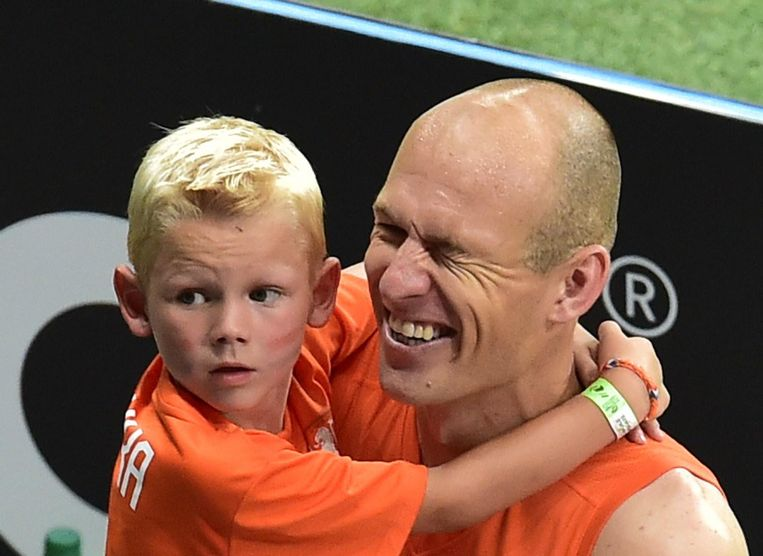 Robben met zijn zoon. Beeld anp