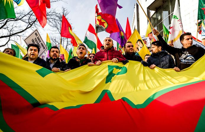 Koerden in Nederland protesteren tegen de inval van Turkije in het Noord-Syrische Afrin in 2018.