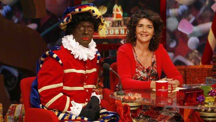 Presentatrice Dieuwertje Blok zei eerder dat ze vindt dat de pieten tijdens het sinterklaasfeest voortaan niet meer zwart moeten zijn.