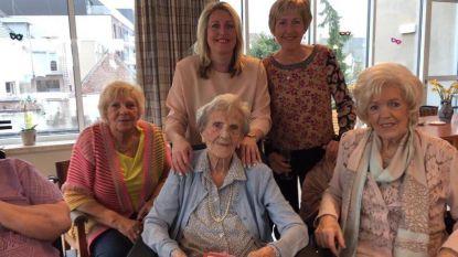 """Oudste inwoonster van Poperinge viert 103de alleen door coronavirus, familie doet oproep: """"Stuur oma Jeanneke zo veel mogelijk kaartjes"""""""