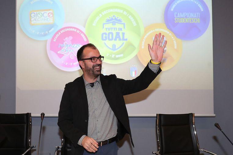 De Italiaanse minister van Onderwijs Lorenzo Fioramonti tijdens een persconferentie begin december in Florence. Beeld Getty Images