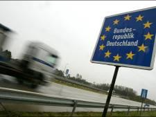 Duitse snelweg bij Emmerik wordt voor de zevende keer dit jaar in een weekend afgesloten