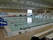 Bezoek aan zwembad Culemborg moet raad Kapelle van koudwatervrees afhelpen