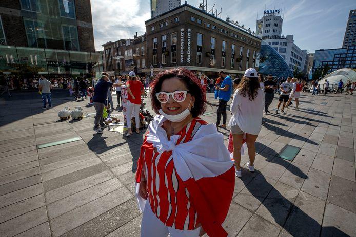 Ook in Eindhoven kwamen in september tientallen 60 Wit-Russen bijeen op het 18 Septemberplein om te protesteren tegen het heersende regime. Sinds de oneerlijk verlopen verkiezingen in Wit-Rusland in augustus staat het land in het teken van massale demonstraties tegen president Aleksandr Loekasjenko.