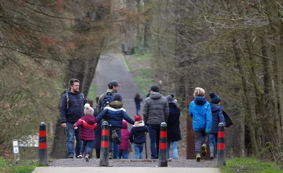 Afgelopen weekend kwamen nog heel wat mensen wandelen in domein Palingbeek, iets wat nu niet meer mogelijk is.