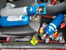 Bestuurster (20) ligt knock-out in de auto met ballon lachgas nog in haar mond in Heesch
