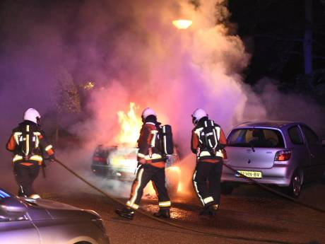Negentiende auto in vlammen op, aan Plaswijckweg in Gouda