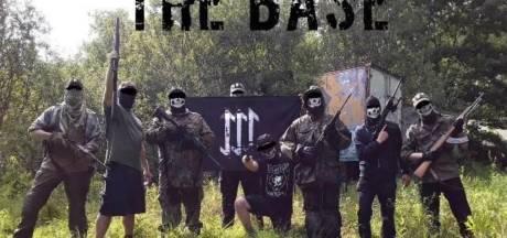 Rechts-extremistische terreurverdachte 'zat gewoon thuis op de bank onder een dekentje'